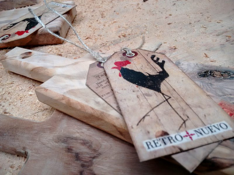 carpentry, woodwork, process, graphic design, cockerel, retronuevo, vintage, tag, tapas, wild olive, wood, chopping board, paddle