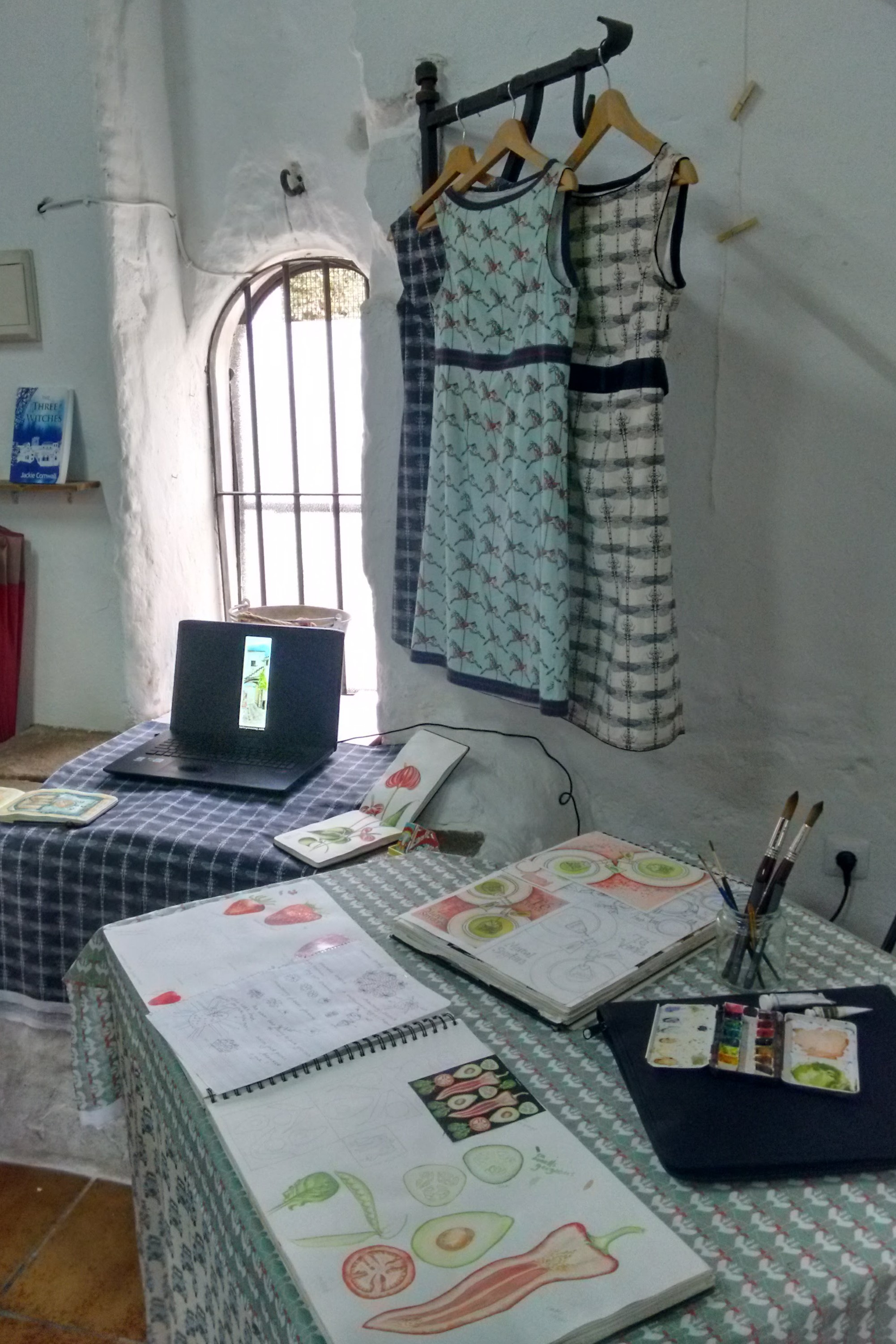sketchbook, te verde, green tea, play, marcel snyders, arte vejer, exhibition, vejer de la frontera, castle, illustration, book cover, watercolour, pen and watercolour, art, drawing, painting, fabric design, surface design, digital printing